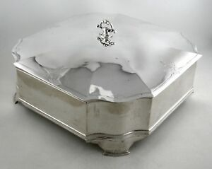 Sterling-Jennings-Silver-Co-lidded-and-footed-box