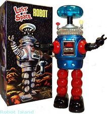 Lost in Space Robot Tin Toy Windup Remco Commemorative YM-3