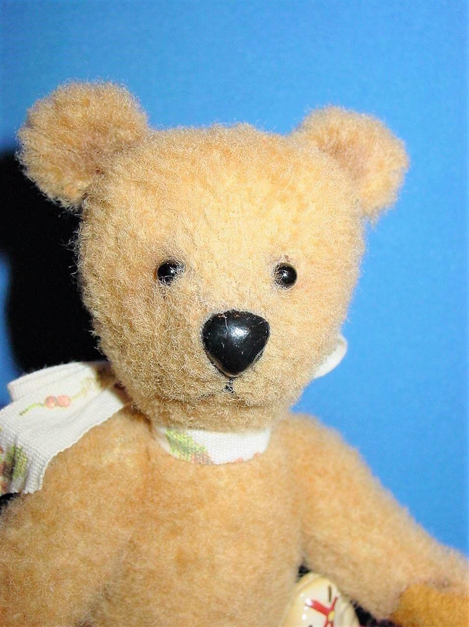 Artist made small 6 1 2  Tan Wool Teddy Bear  OLD BEAR  by Beth Diane Hogan OOAK