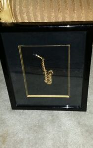 3D GOLD SAXAPHONE IN BLACK FRAME NICE!!