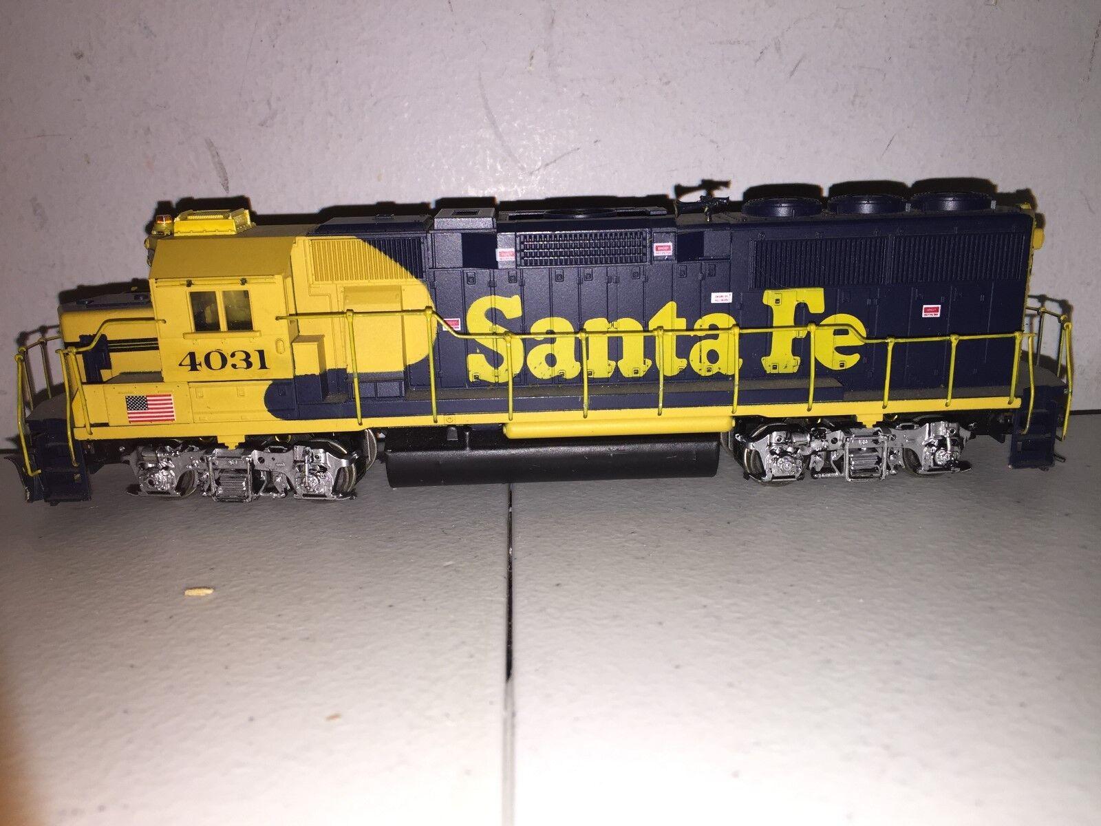 SANTA FE ATSF 4031 WALTHERS PredO RTR HO ENGINE
