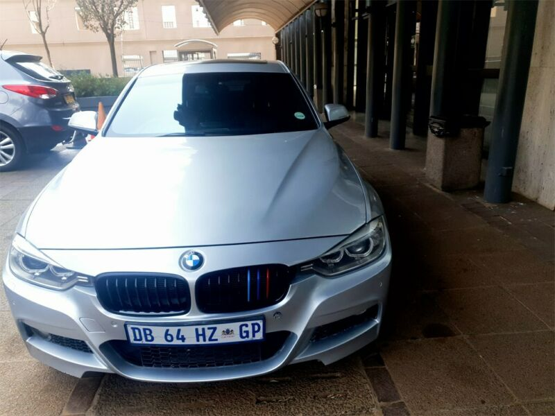 2017 BMW 320i Exclusive, Silver with 54000km available now!
