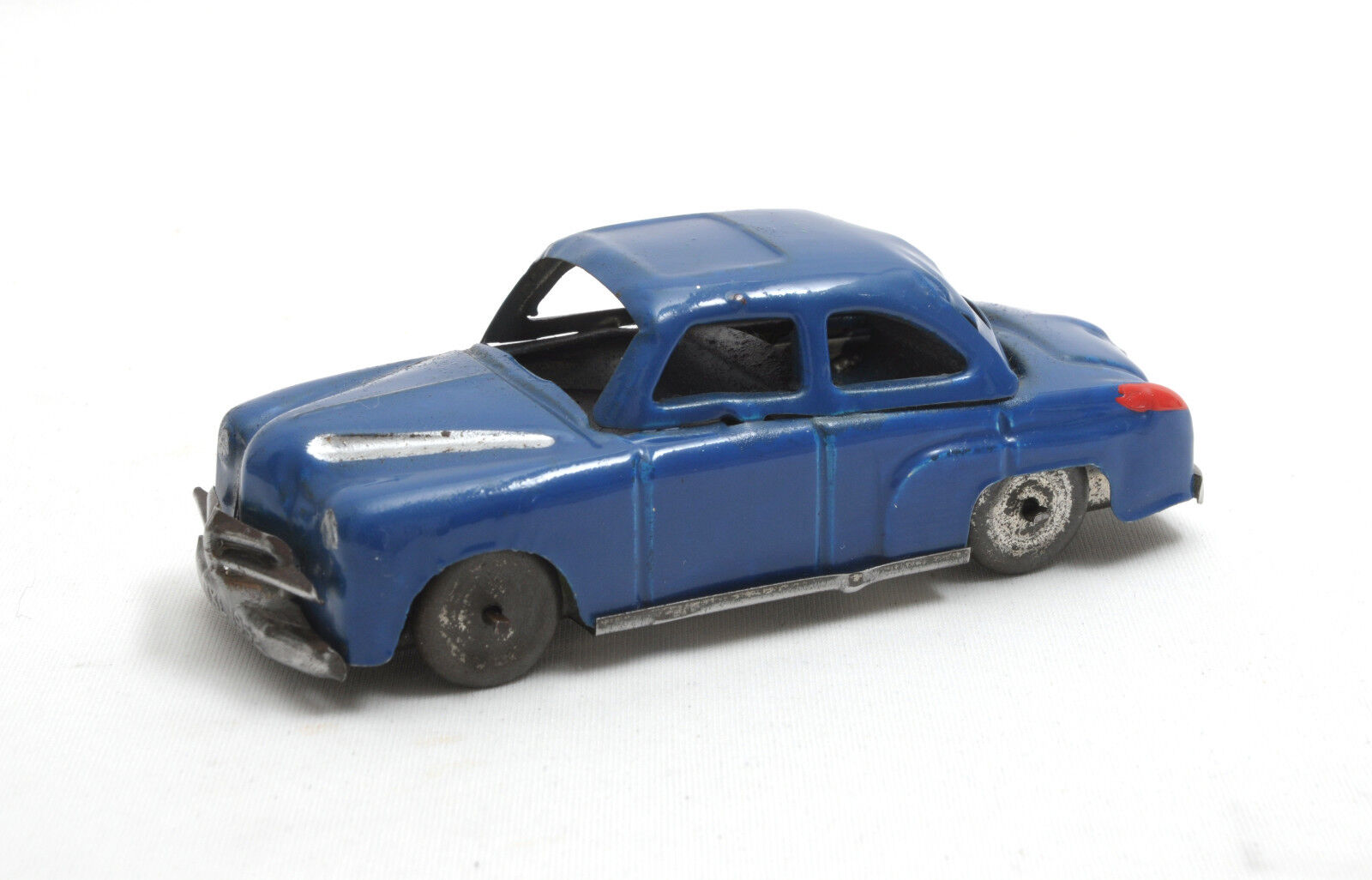 IXL Post-War Recycled Tinplate Vauxhall Velox Saloon 1952 (bluee)