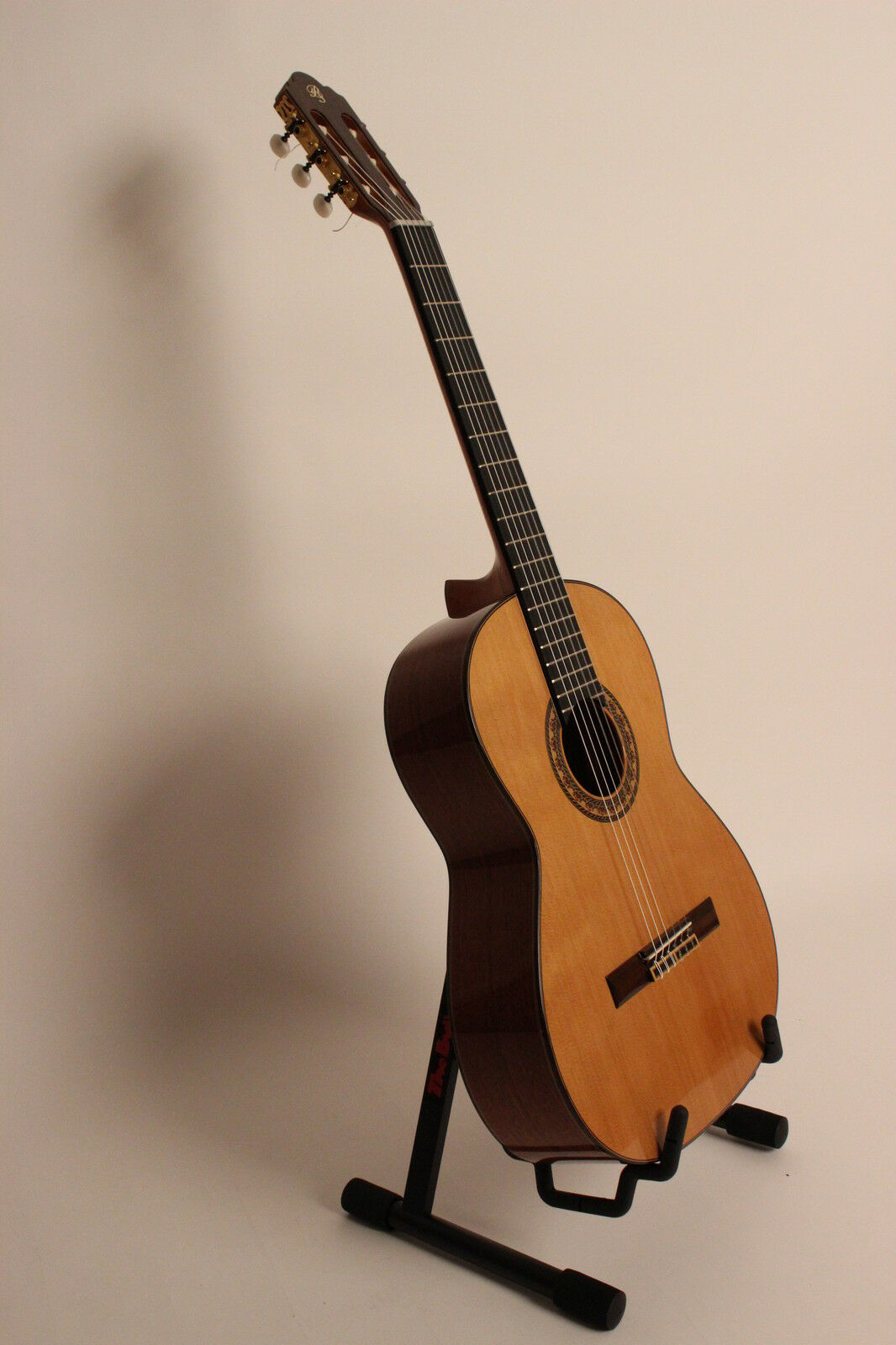 Concierto guitarra saez saez saez mod.g3 + masivas caoba cuerpo + zederndecke expositores     precios ultra bajos