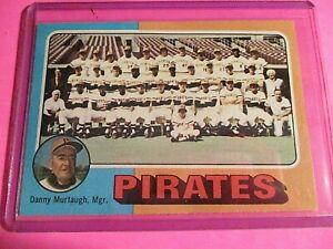 1975-Topps-304-Pittsburgh-Pirates-Team-card-Danny-Murtaugh-NmMt-High-Grade