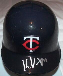 Kennys-Vargas-signed-Minnesota-Twins-Mini-Helmet-COA