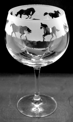 GALLOPING HORSE Frieze Boxed 70cl Glass Gin Balloon