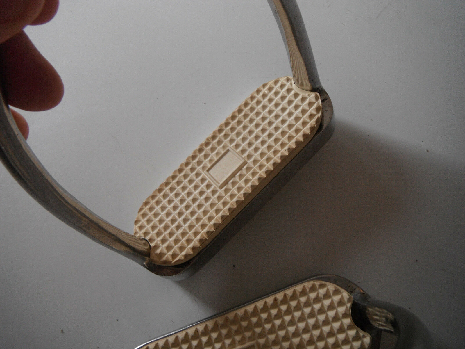 Heavy Clean  Ω saddle stirrups with leather belts Ω Ω     Free ShpN  new style