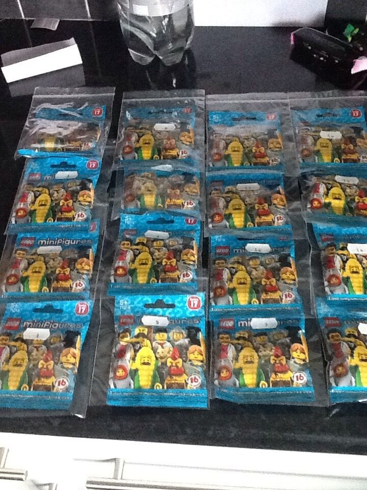 Lego Figurine série 17 Set de 16 état neuf.