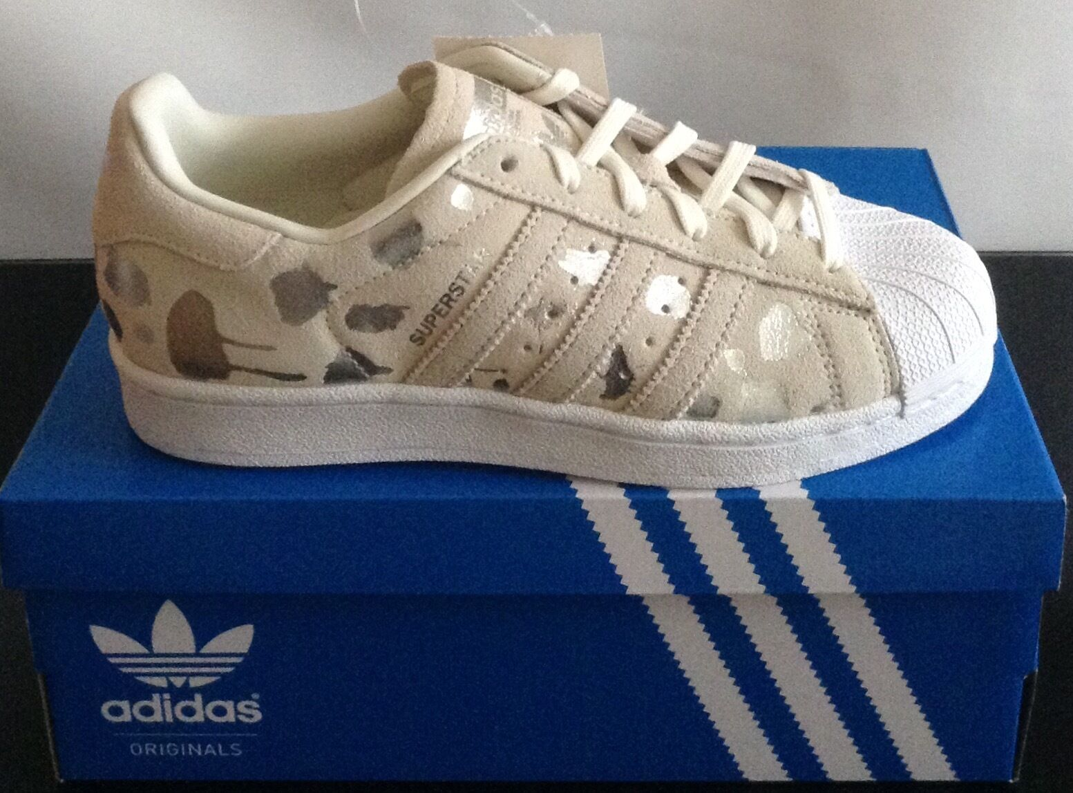 AUTHENTIC WOMEN'S ADIDAS SUPERSTAR TRAINERS BEIGE SUEDE-MET. SILVER UK 3.5 + 4.5