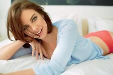 Lauren Cohan A4 Photo 14