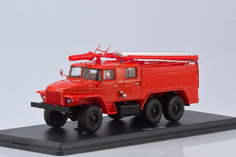 AC-40 TS1A Camión De Bomberos Ural chasis 375N 1 43 Modelos Escala de inicio SSM1230