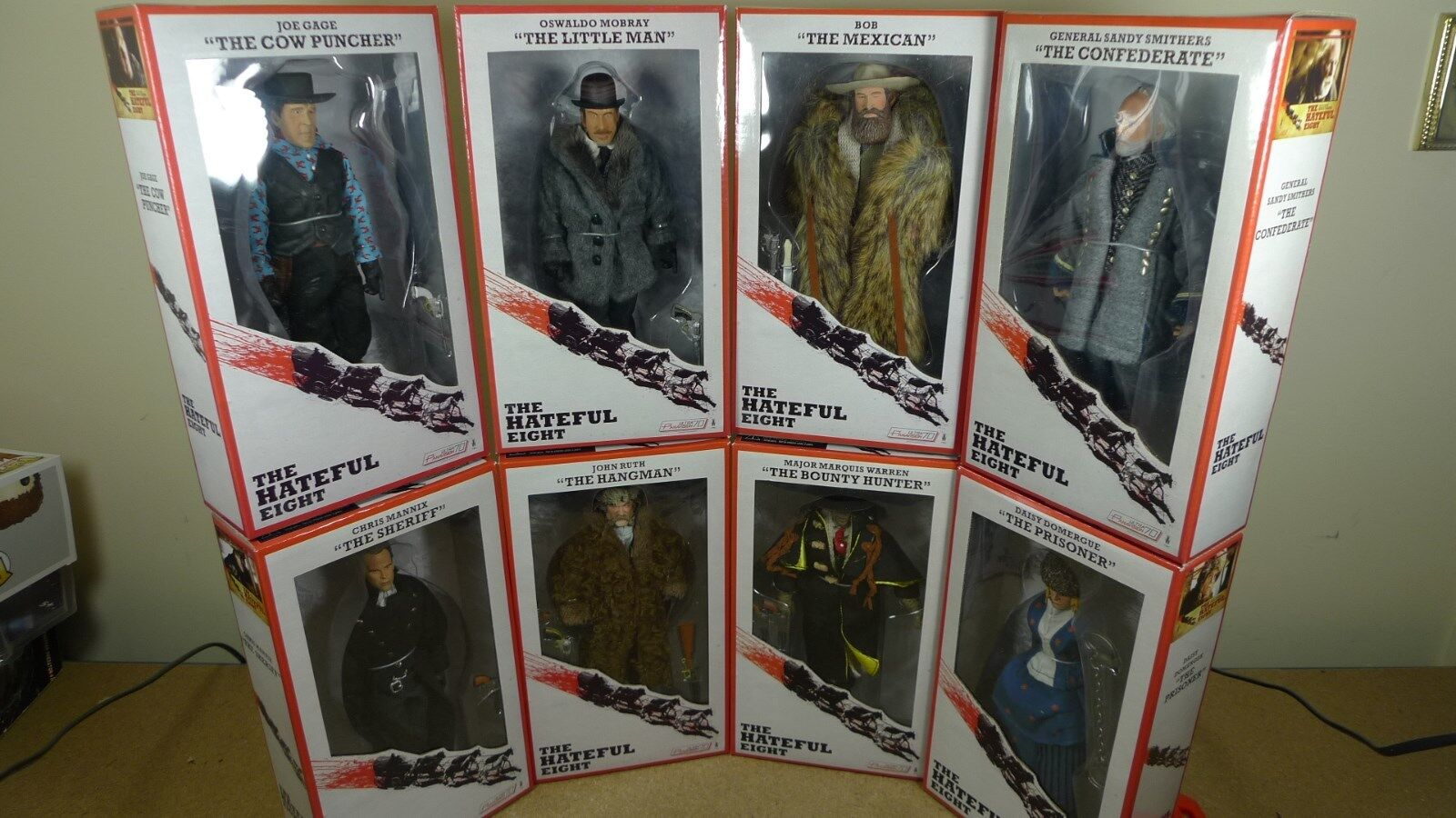 Neca Set Complet haineux huit Clothed figures Tarantino Culte Film BN