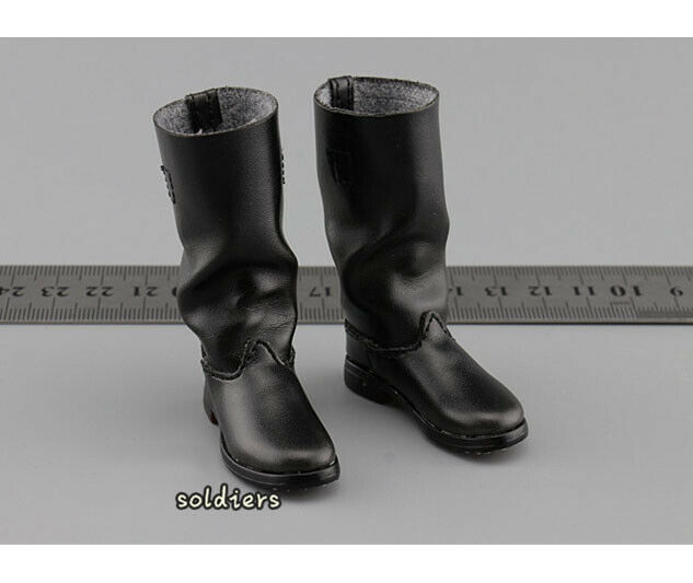 DID D80133 1/6 WWII German Communication 3 WH Radio Operator Gerd Boots Model