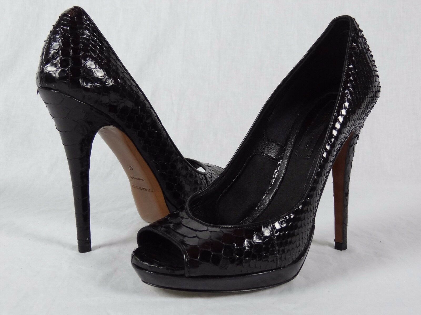 795 NIB Womens Burberry London Python Exotic115 Pump Black Eur 40 US 9.5 10