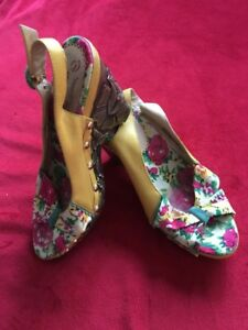 Poetic Licence Yellow Garden Floral High Heels Size 7 Wood Leather Peep Toe Shoe