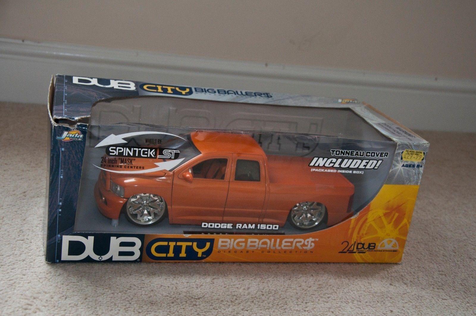 JADA DUB CITY Die-Cast Model Car 1 18 Scale - Dodge - Ram 1500 including tonneau