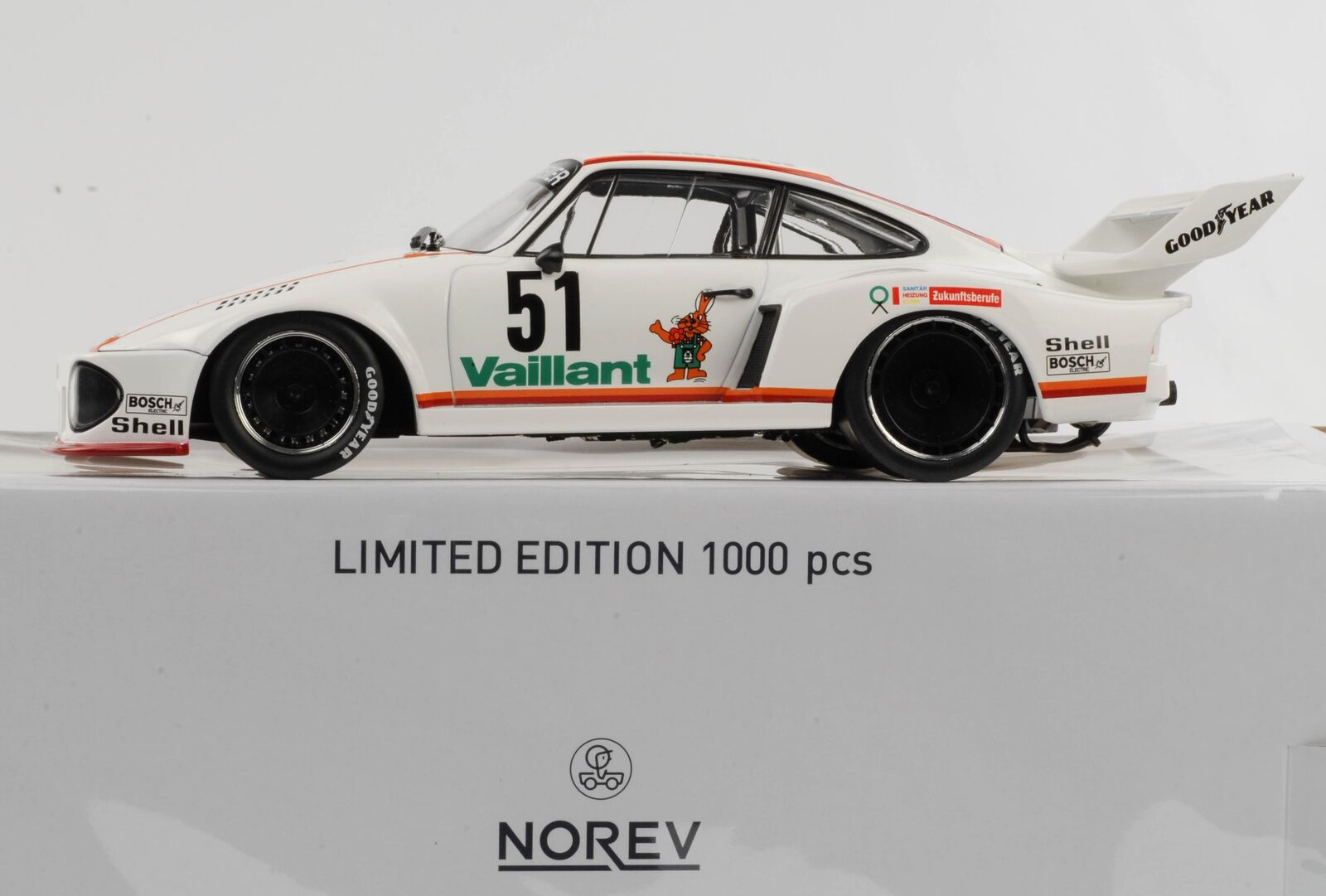 Porsche 935  51 DRM Zolder Wollek 1977 Vaillant 1 18 NOREV Miniature