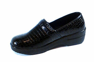New Nurse Black Work Shoe Comfortable Clogs Light Weight Crocodile Print