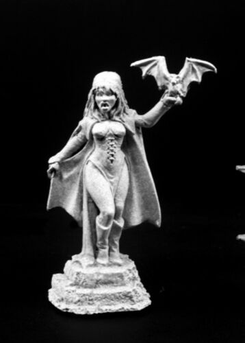 03794 Siobhana REAPER MINIATURES DARK HEAVEN Vampiress