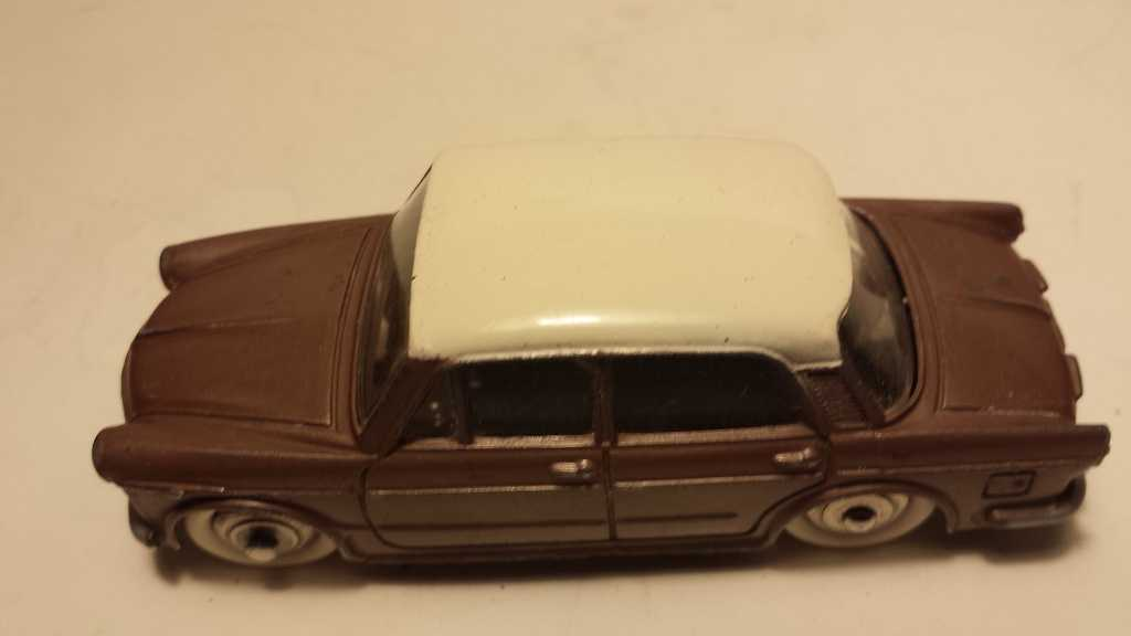 Dinky Fiat 1200 Grand Vue no repeat