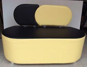 Divano da ufficio 2 posti nero e giallo in finta pelle stilizzato arredo moderno