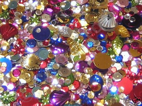 15g OF SEQUINS NEW LOVELY SELECTION SEWING CHILDRENS CRAFTS