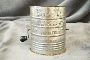 Vintage Bromwell's  Metal 3-Cup Measuring Sifter with wooden handle Made in USA