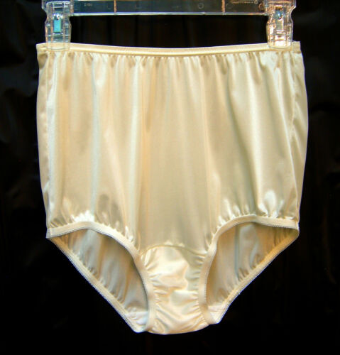 VANITY FAIR YELLOW 15712//15812 PERFECTLY YOURS NYLON BRIEFS PANTIES~5//SMALL ~NEW