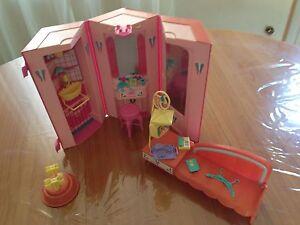studio de danse Barbie vintage - France - État : Occasion: Objet ayant été utilisé. Consulter la description du vendeur pour avoir plus de détails sur les éventuelles imperfections. ... Ere/ Année: Années 1980 - France