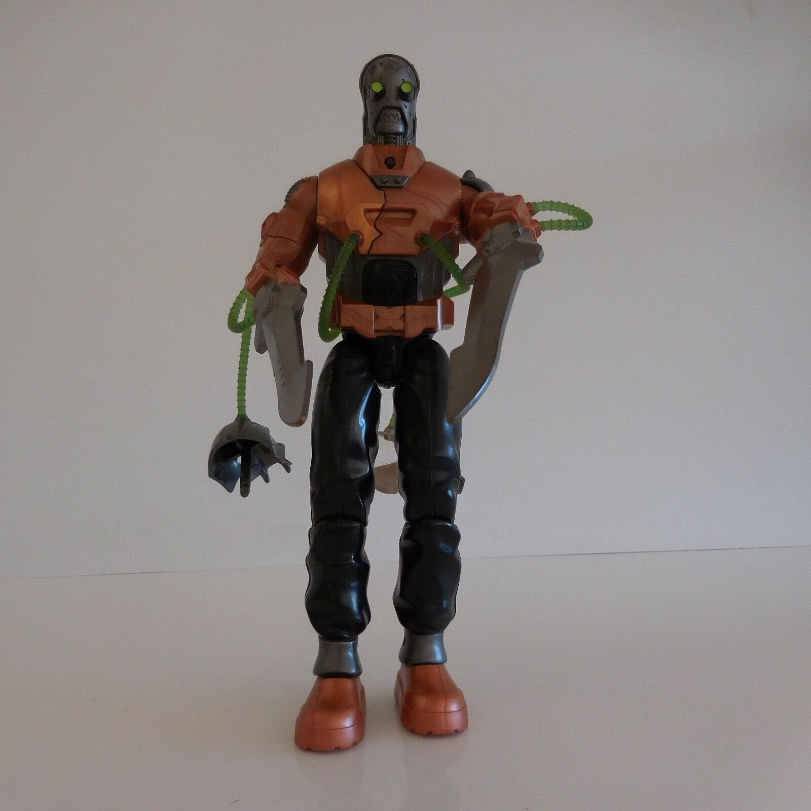Transforming robot figurine 011 toys vintage collection