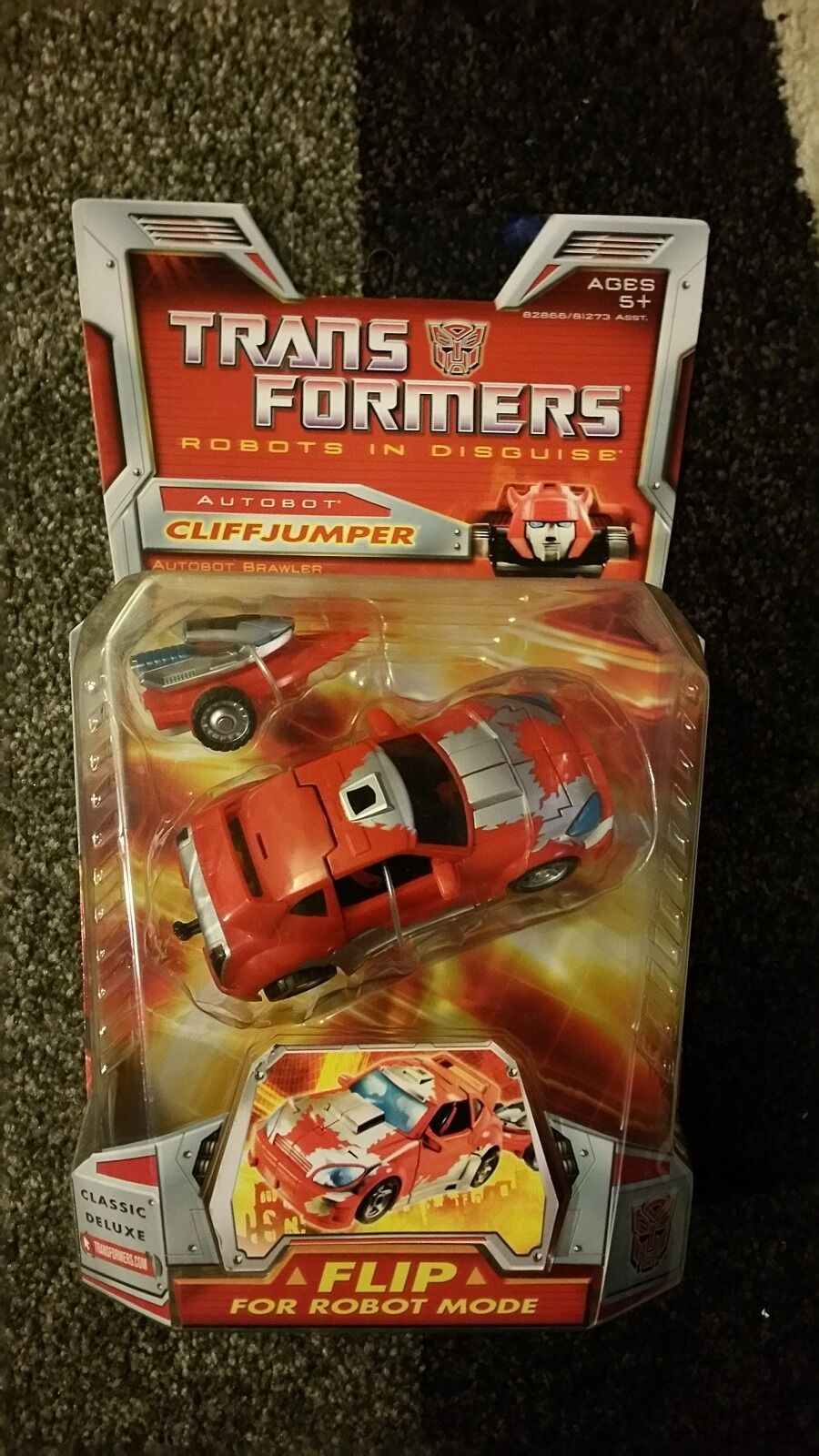 Transformers Universe 2006 Classic Series Cliffjumper Autobot Deluxe Class MISB