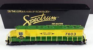 Bachmann-Spectrum-11617-Reading-Bee-Line-SD45-Diesel-Locomotive-7603-HO-Scale