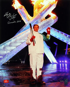 Wayne-Gretzky-034-Canada-2010-034-Signed-16X20-Photo-LE-24-199-Gretzky-Holo-105311
