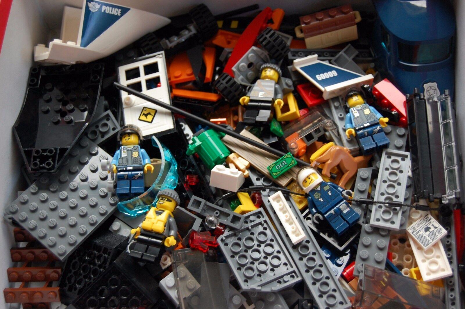 Santa Claus arrive LEGO City complet 60009 - L'intervention de l'hélicoptère complet City Complet f18c9d