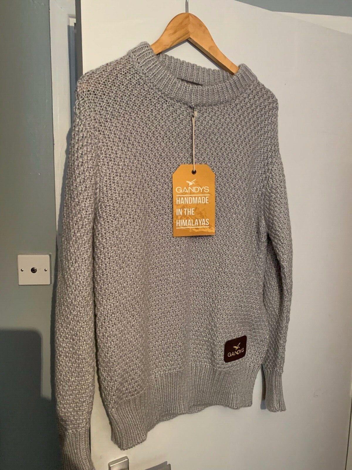 Luxury  handmade winter jumper by the gandy brothers.  xl. grau