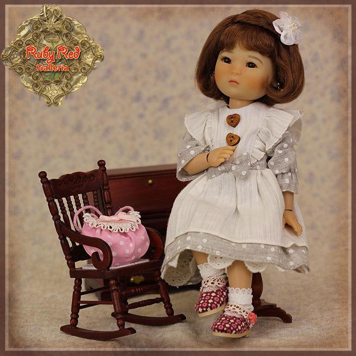 Ensemble pour poupée TEN PING 21 cm (les 6 pièces)