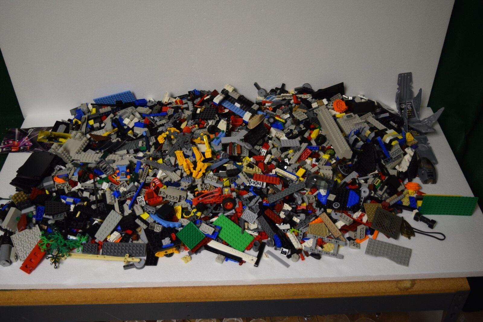 17 Pounds of Legos - LEGO 17 LB