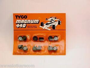 Tyco-Magnum-Ho-Slot-Car-6-paires-de-roues-arrieres-pneus-mousse-neuf-blister