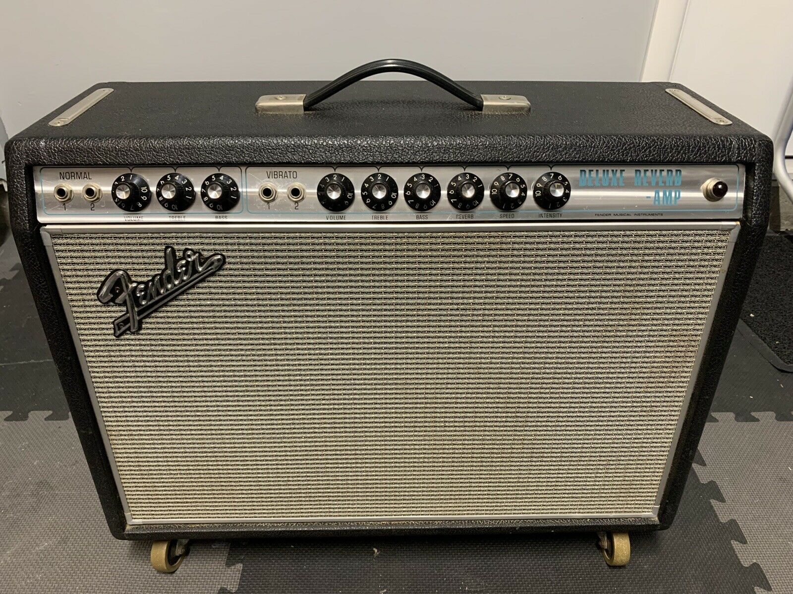 fender deluxe reverb amplifier 1968 Vintage (Not A Reissue). Available Now for 3000.00