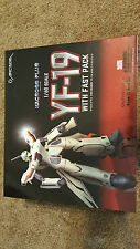Arcadia YF-19 with Fast Pack Macross Plus transformable Robotech USA boxed used