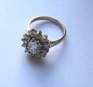 9ct-or-Ovale-Serti-Zircone-Bague-4g-Taille-M