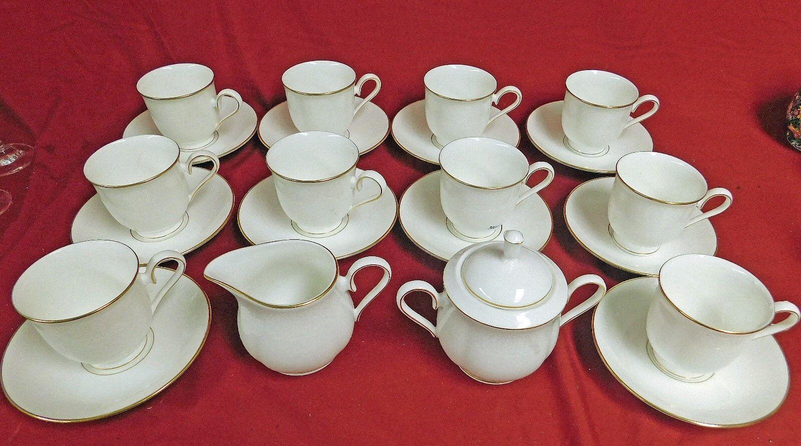 26-Pc Lenox Hannah OR DEBUT COLLECTION Footed tasses, soucoupes pot à lait & sucre