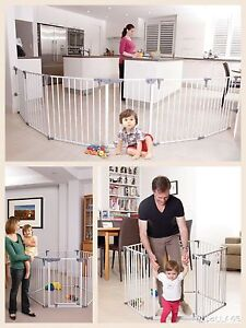Dreambaby Royale Converta Playpen and Mat room divider portable baby