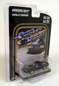 Greenlight-1-64-Scale-Smokey-amp-The-Bandit-Bandit-039-s-1977-Pontiac-T-A-Model-Car