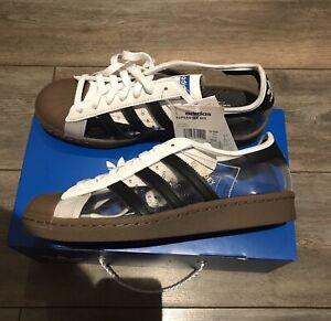 Adidas Blondey McCoy clair Superstars avec des chaussettes UK 7.5