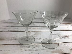Vintage-Etched-Glass-Tall-Champagne-Cocktail-Coupe-Martini-Glasses-Set-of-2