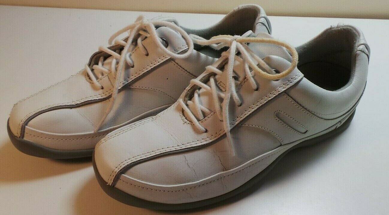 CLARKS Women's White Leather Walking shoes Sneakers Oxfords Size 8M