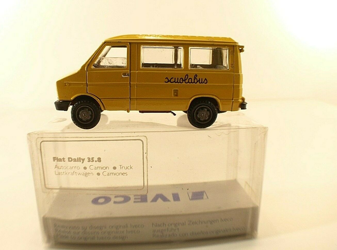 Iveco Fiat Daily Scuolabus Yellow OLDCARS 1:43 OLD02500