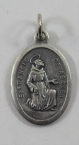 Vintage-Silver-Tone-St-Francis-of-Assisi-Catholic-Medal-Italy